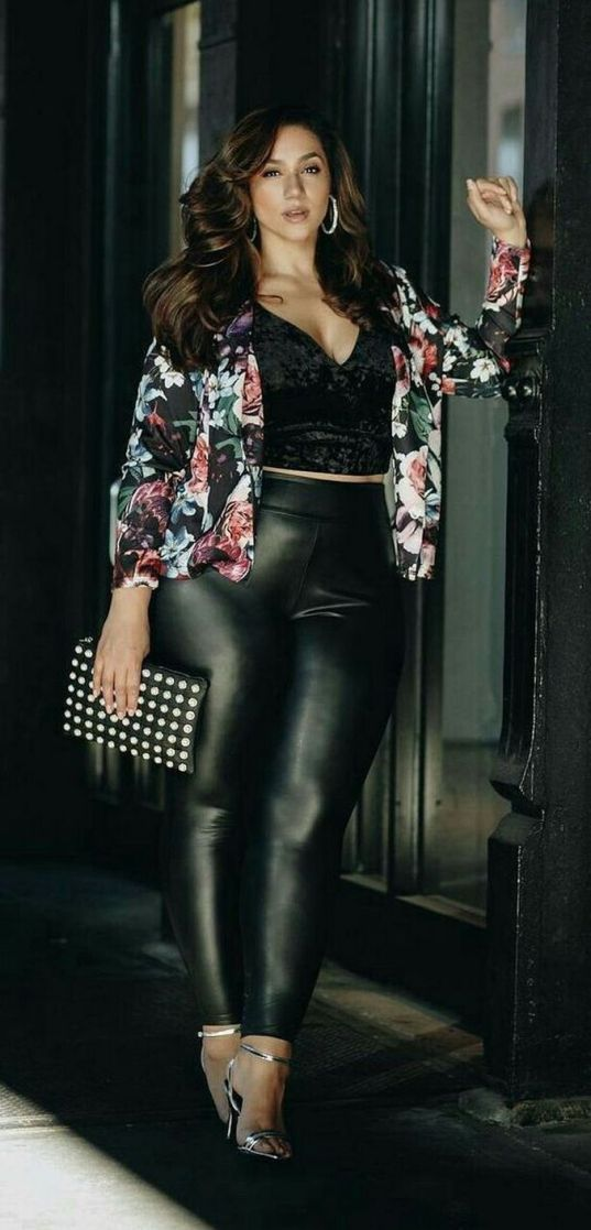 30 Fashion plus size outfit with black pants 10