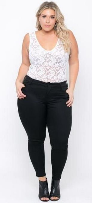 30 Fashion plus size outfit with black pants 17