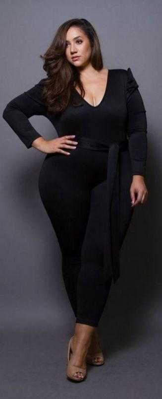 30 Fashion plus size outfit with black pants 6