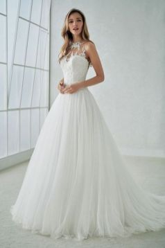 40 Beautiful wedding dresses for 40 year old brides ideas 26