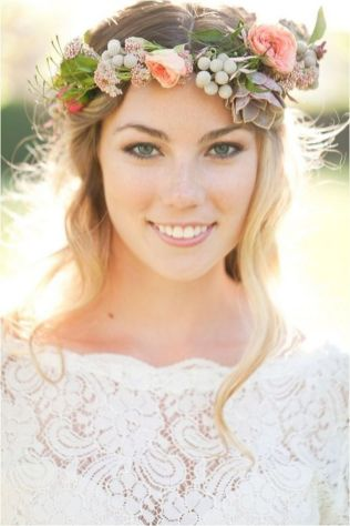 60+Bridal Flower Crowns Perfect for Your Wedding Ideas 33