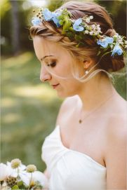 60+Bridal Flower Crowns Perfect for Your Wedding Ideas 36