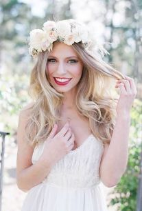 60+Bridal Flower Crowns Perfect for Your Wedding Ideas 41