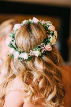 60+Bridal Flower Crowns Perfect for Your Wedding Ideas 47