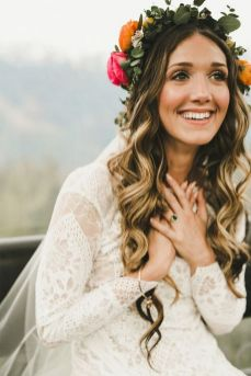 60+Bridal Flower Crowns Perfect for Your Wedding Ideas 55