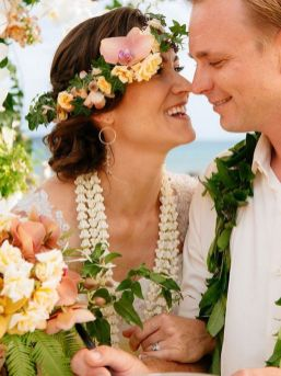 60+Bridal Flower Crowns Perfect for Your Wedding Ideas 56