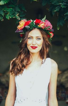 60+Bridal Flower Crowns Perfect for Your Wedding Ideas 57