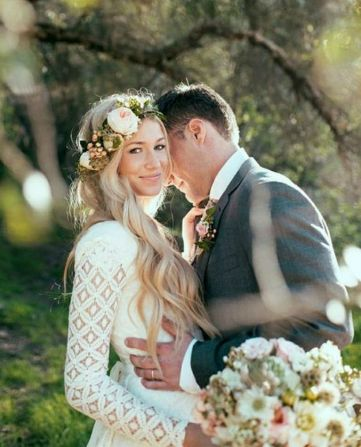 60+Bridal Flower Crowns Perfect for Your Wedding Ideas 58