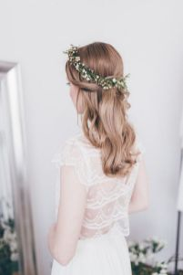 60+Bridal Flower Crowns Perfect for Your Wedding Ideas 9