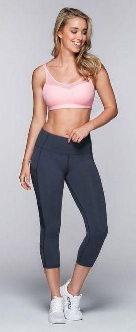 Beautiful yoga pants outfit ideas 28
