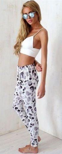 Beautiful yoga pants outfit ideas 31