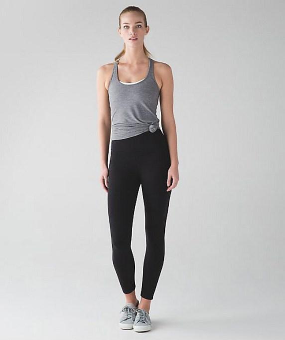 Beautiful yoga pants outfit ideas 37