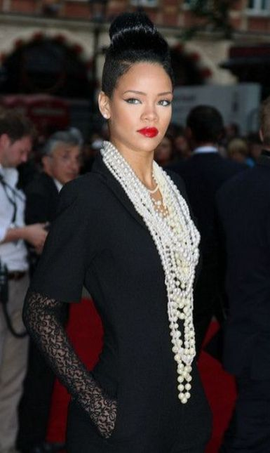 Great Pearl Necklace Outfit Ideas 70+ 23