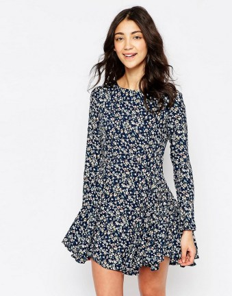 30 Women Print Dresses with sleeves Ideas 24
