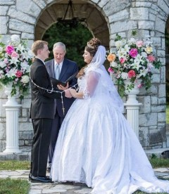 40 Romantic weddings themes ideas 16