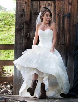 40 wedding dresses country theme ideas 3