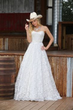 40 wedding dresses country theme ideas 8