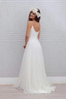 50 simple and sexy wedding dresses for the beach 16