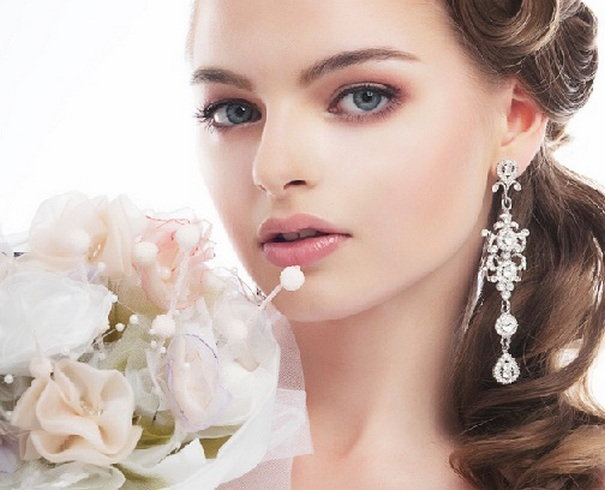 Bridal Makeup When Wedding in the Daytime 2