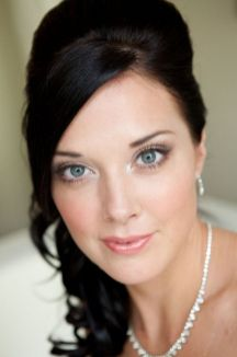 Bridal Makeup When Wedding in the Daytime 24