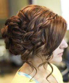 Easy DIY Wedding Day Hair Ideas 1