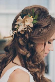 Easy DIY Wedding Day Hair Ideas 30