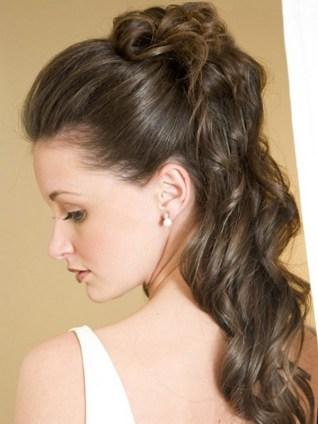 Easy DIY Wedding Day Hair Ideas 32