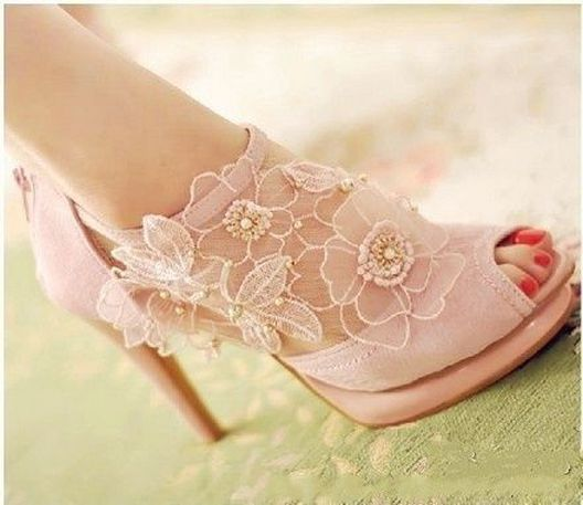 Floral Wedding Shoes Ideas You Never Seen Before 23