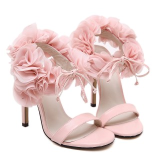 Floral Wedding Shoes Ideas You Never Seen Before 31