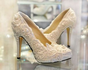 Floral Wedding Shoes Ideas You Never Seen Before 33