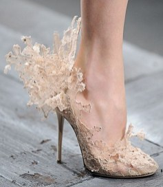 Floral Wedding Shoes Ideas You Never Seen Before 37