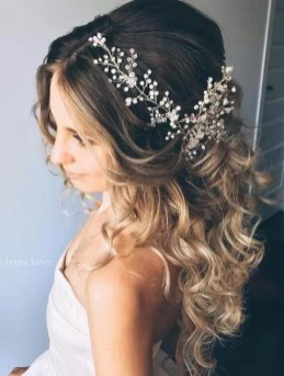 Hairstyles for long hair at wedding Ideas 19