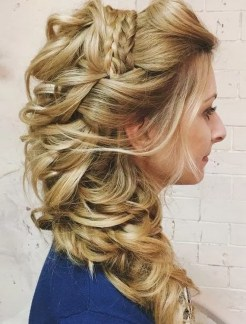 Hairstyles for long hair at wedding Ideas 21
