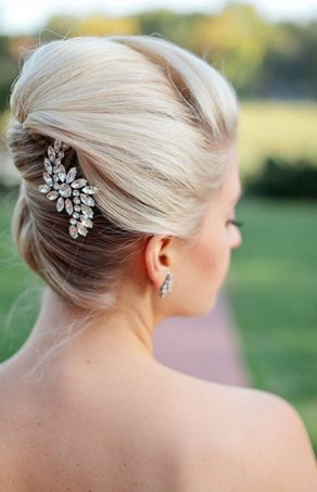 Hairstyles for long hair at wedding Ideas 35