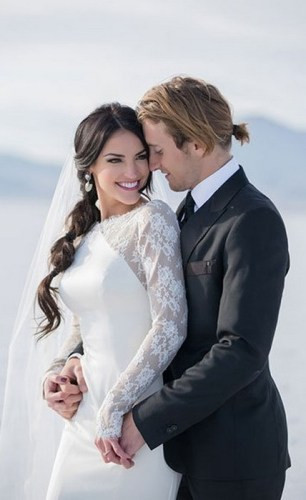 Hairstyles for long hair at wedding Ideas 52