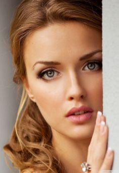 Soft and Romantic wedding makeup looks for fair skin 19