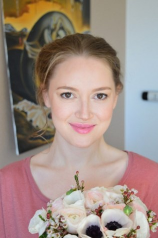 Soft and Romantic wedding makeup looks for fair skin 2