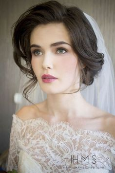 Soft and Romantic wedding makeup looks for fair skin 22