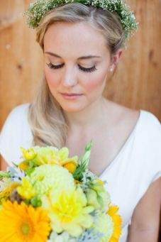Soft and Romantic wedding makeup looks for fair skin 24