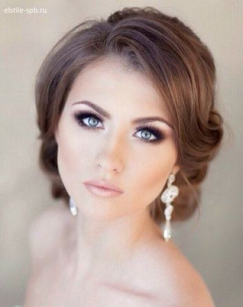 Soft and Romantic wedding makeup looks for fair skin 28