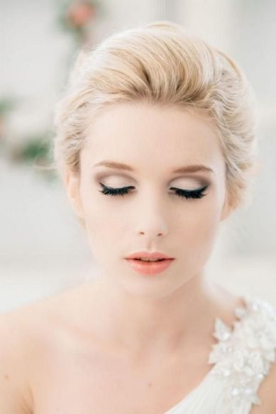 Soft and Romantic wedding makeup looks for fair skin 29