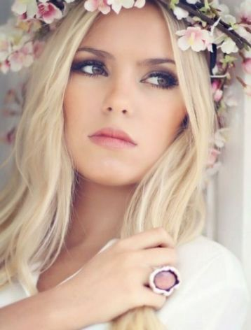 Soft and Romantic wedding makeup looks for fair skin 34