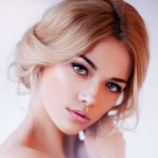 Soft and Romantic wedding makeup looks for fair skin 40