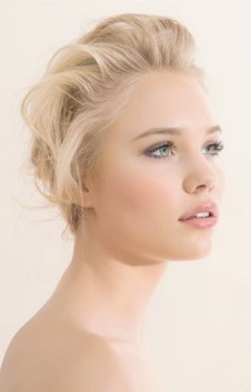 Soft and Romantic wedding makeup looks for fair skin 7
