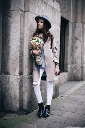 World of jeans cute winter outfits ideas 11
