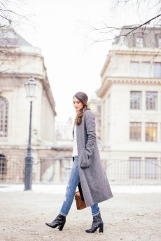 World of jeans cute winter outfits ideas 12