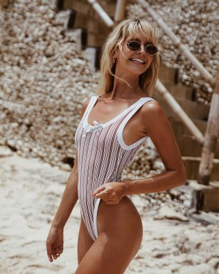 100 Ideas Outfit the Bikinis Beach 155