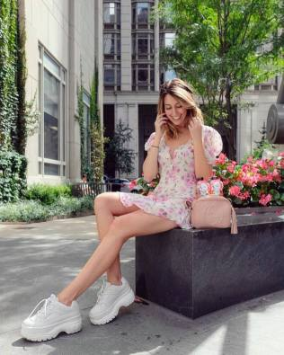 30 Comfortable and Charming Clothing ideas for sightseeing 16