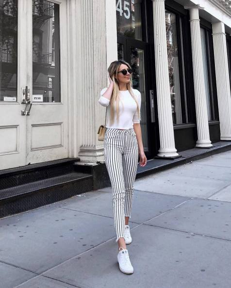 30 Comfortable and Charming Clothing ideas for sightseeing 28