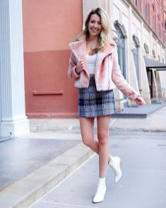 30 Comfortable and Charming Clothing ideas for sightseeing 34